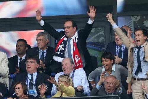 هولاند عن نهائي الأورو: الفرنسيون في حاجة إلى فرحة جماعية لنسيان معاناة هجمات باريس