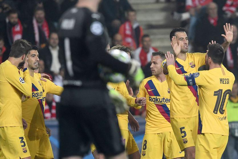 النيران الصديقة تقود برشلونة لفوز عسير على سلافيا براغ ودورتموند يسقط أمام أنتر