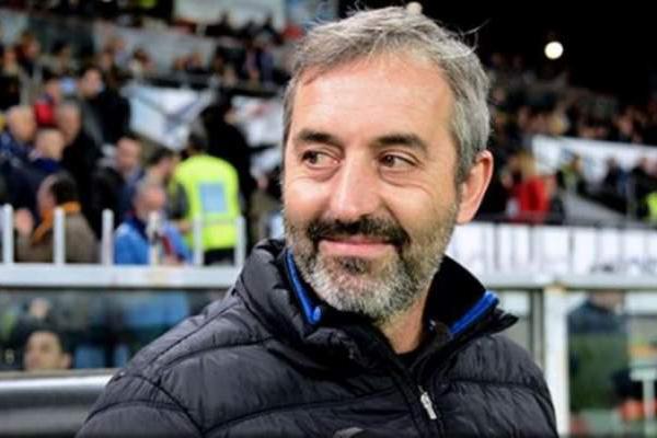 رسميا.. ميلان الإيطالي يعلن إقالة مدربه جيامباولو