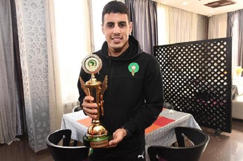 """لاعب المنتخب المغربي يرد على اتهامات الإسبان التي وصفته """"بالخائن"""""""