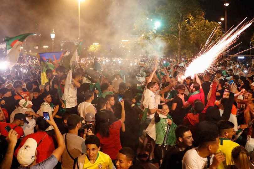 """توقيف 282 شخصا في فرنسا في أحداث عقب تأهل الجزائر لنهائي """"الكان"""""""