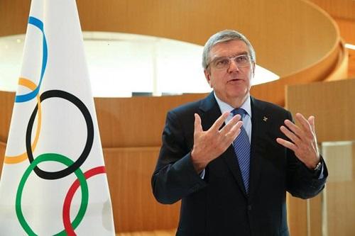 """""""باخ"""" يقر بإمكانية إلغاء أولمبياد طوكيو 2021"""