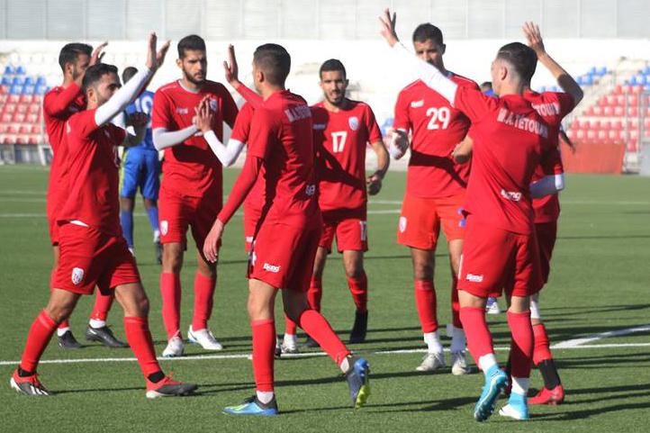 المغرب التطواني يفك ارتباطه بـثلاثة لاعبين جدد
