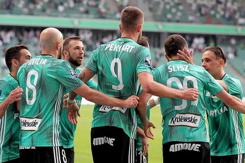 ليجيا وارسو يتوج بلقب الدوري البولندي