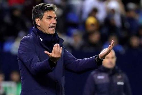 مدرب ليغانيس يفوز بجائزة أفضل مدير فني في الدوري الإسباني