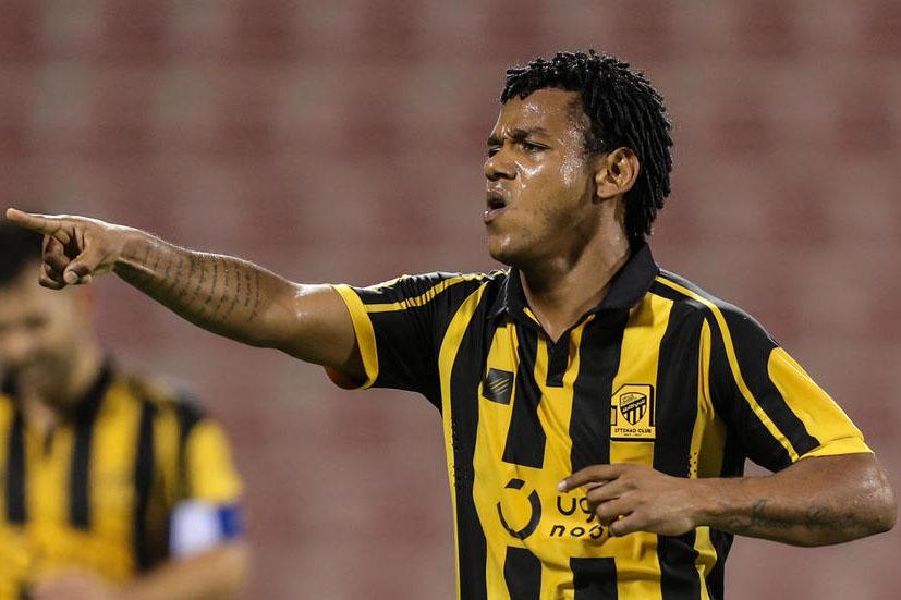اتحاد جدة يمدد عقد مهاجمه البرازيلي رومارينيو