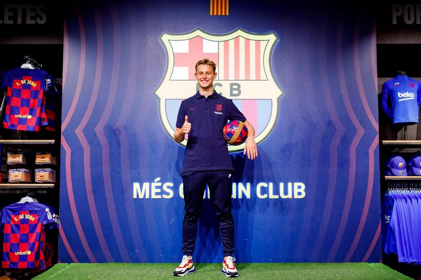 دي يونغ:يجب على برشلونة أن يعود للعب الجميل
