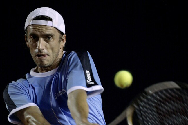 لاعب تنس: عرضوا علي المال مقابل الخسارة أمام نادال