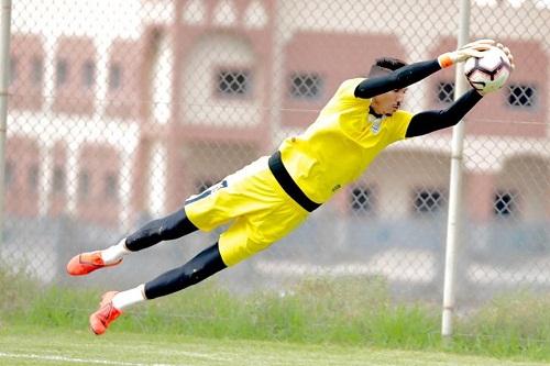 المحمدي يُجدد عقده مع أبها السعودي إلى غاية صيف 2022