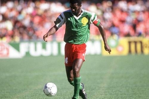 وفاة تاتاو قائد الكاميرون في مونديال 1990