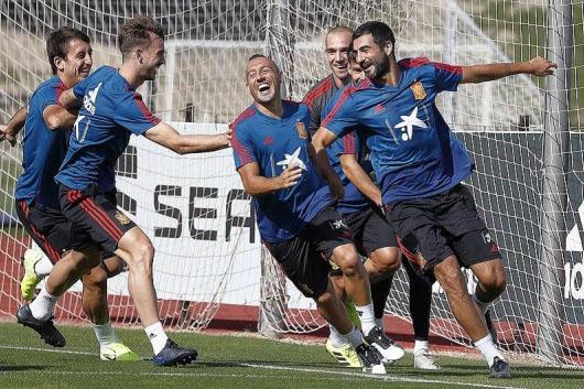 إسبانيا تبدأ الاستعداد لمواجهتي النرويج والسويد