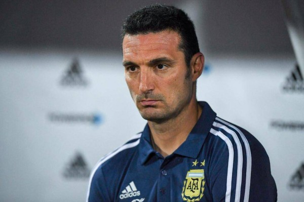 مدرب الأرجنتين: نشعر بسعادة وثقة من الأداء