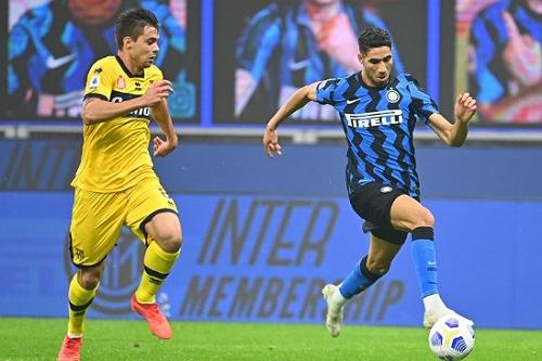 حكيمي يغيب أمام جنوة في الدوري الإيطالي