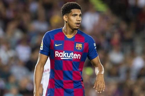 أراوخو يعود للمشاركة في تدريبات فريقه برشلونة