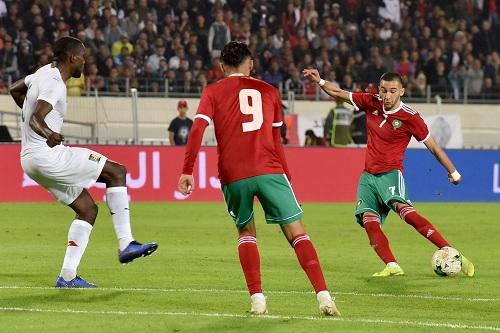 """الصحافة الأجنبية: زياش كان """"نجما كبيرا"""" في مباراة """"الأسود"""" والكاميرون"""