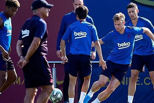 دي يونغ وتوديبو يعودان للتدرب رفقة برشلونة