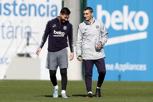 """فالفيردي يودع لاعبي برشلونة قبل """"الرحيل"""""""