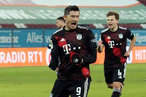 بايرن يعزز صدارته للدوري الألماني بفوز صعب