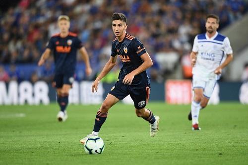 """""""ريال مدريد"""" يريد ضم توريس لاعب فالنسيا"""
