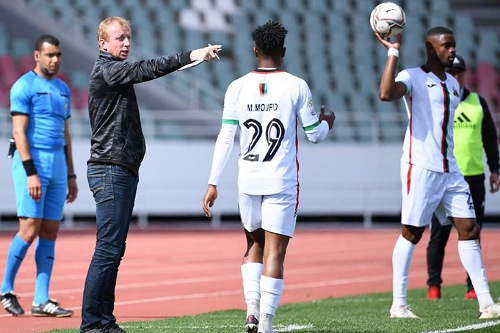 فاندربروك يعاقب لاعبيه بعد التعادل مع المحمدية
