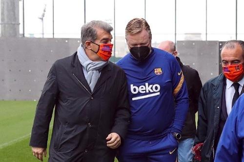 """لابورتا يشجع برشلونة وكومان """"ينتقد"""" التحكيم"""