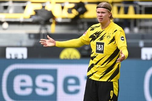 وكيل النرويجي هالاند: دورتموند لا يريد بيعه نهاية الموسم