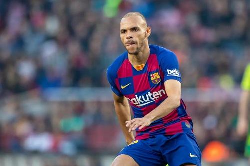 برشلونة يؤكد خضوع مهاجمه الدنماركي برايثوايت لعملية جراحية