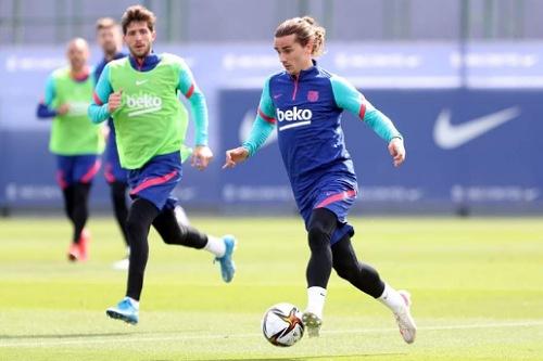 برشلونة يستعد لنهائي الكأس على ملعب لا كارتوخا