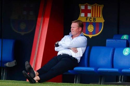 رونالد كومان يقترب من مغادرة برشلونة