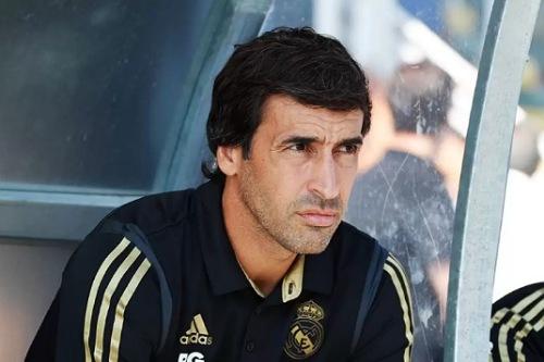 جماهير ريال مدريد تفضل راؤول عن لوف واليغري في تدريب الملكي