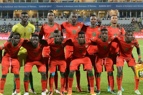 """""""الأسود"""" يواجهون غينيا بيساو ذهابا وإيابا في المغرب ضمن تصفيات المونديال"""