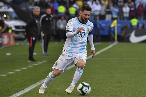 تصفيات المونديال: الأرجنتين مع ميسي ومن دون دي ماريا وأغويرو