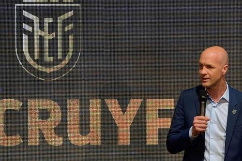 الهولندي جوردي كرويف يعود مدربا إلى الصين