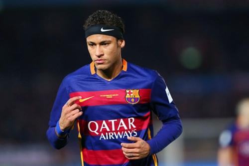 وفد من برشلونة يبحث في باريس عودة نيمار إلى الفريق مجددا