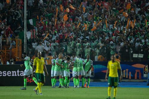"نيجيريا تنهي مغامرة جنوب إفريقيا وتتأهل لنصف نهائي ""الكان"""