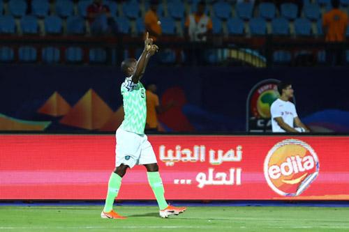 الهداف النيجيري إيغالو يعتزل اللعب دوليا