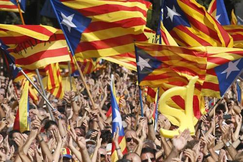المظاهرات تجبر برشلونة على السفر مبكرا للباسك