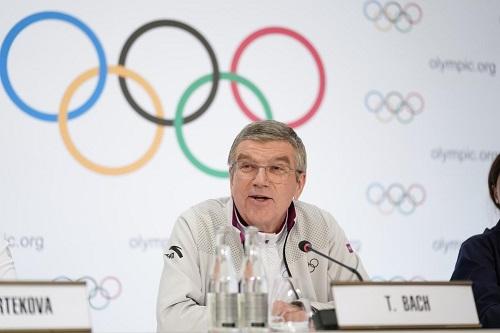 """رئيس اللجنة الأولمبية: أولمبياد """"طوكيو 2021"""" ستقام رغم الوباء"""