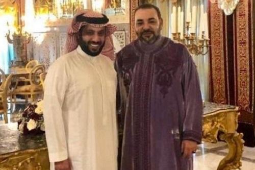 المغاربة ينتقدون قدوم آل الشيخ وإعلانه إقامة البطولة بالمغرب: لقد أساء لنا مرارا