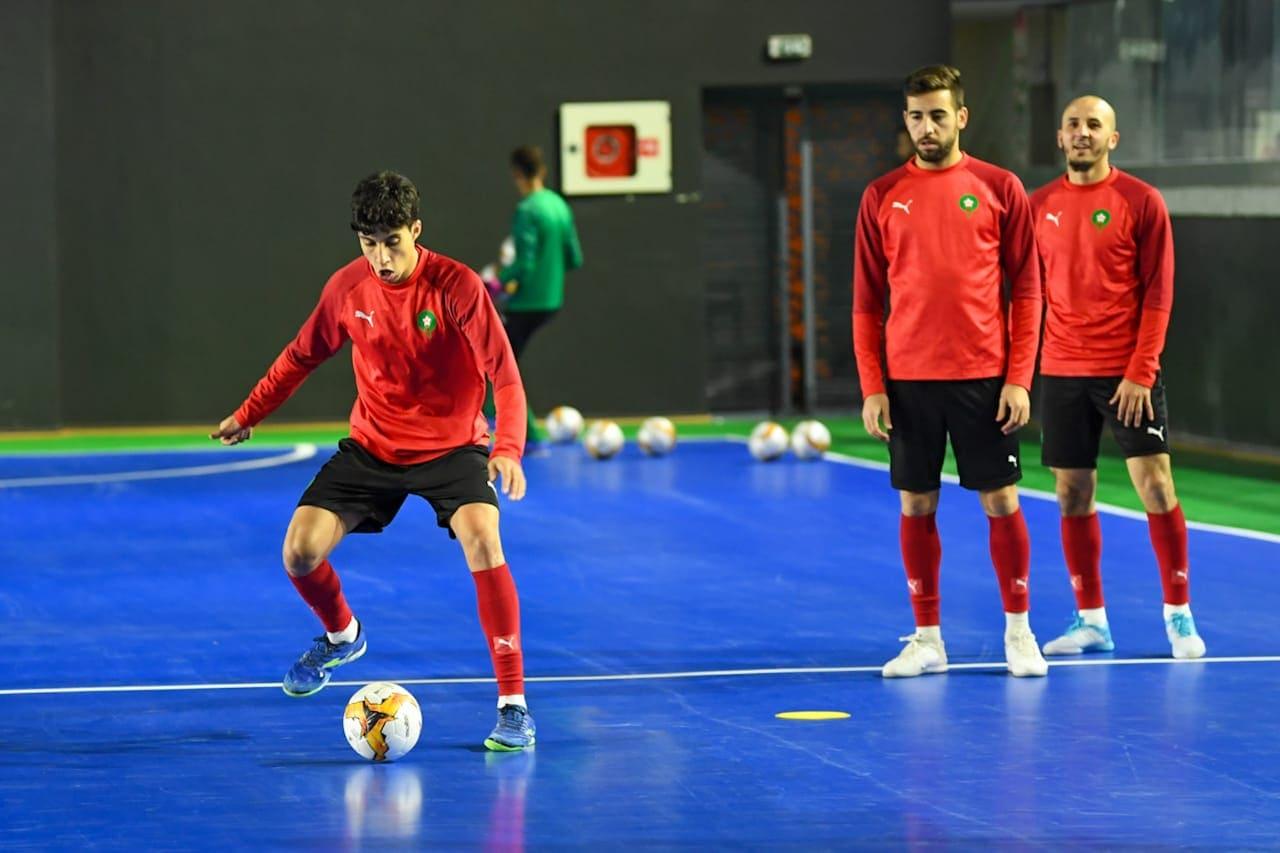 المنتخب المغربي للفوتصال يستقبل ضيوفه بالقاعة المغطاة الحزام بمدينة العيون