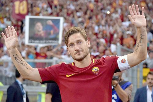 نادي روما يرد على انتقادات  فرانشيسكو توتي
