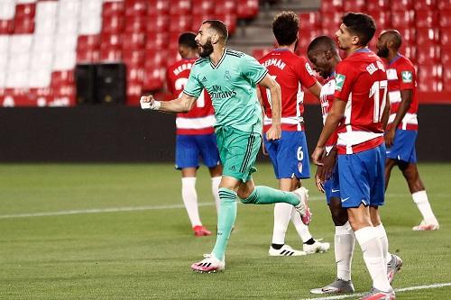 ريال مدريد من أجل حسم لقب الليغا وبرشلونة ينتظر معجزة