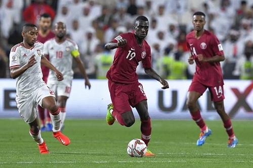 قطر تهزم الإمارات وتصل نصف نهائي خليجي24