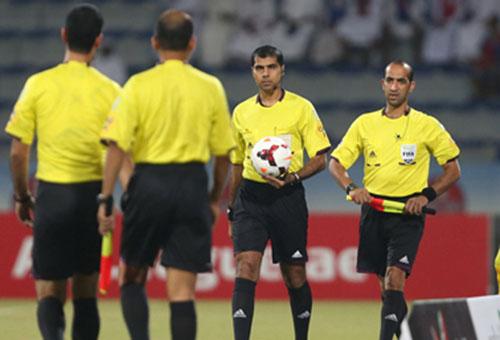 رضوان عشيق ضمن طاقم تحكيم مباراة افتتاح مونديال الشباب