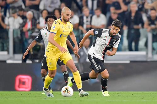أمرابط أفضل لاعب إفريقي في الدوري الإيطالي الموسم الماضي