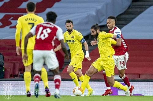 فياريال الإسباني ومانشستر يونايتد الإنجليزي يبلغان نهائي الدوري الأوروبي