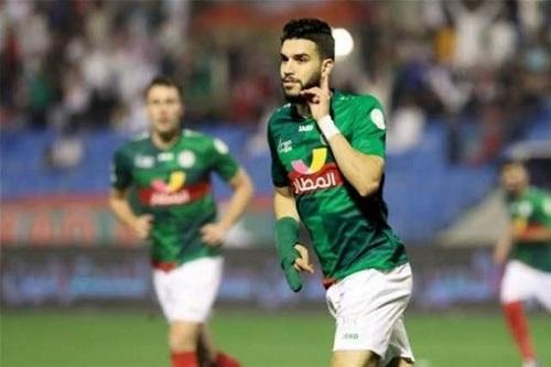 أزارو يستعيد نغمة التهديف ويقود الاتفاق للفوز على الفتح في الدوري السعودي