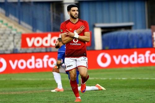 """أزارو """"الغاضب"""" ينتفض في وجه فريقه ويطالب إدارة الأهلي المصري بالاعتذار"""