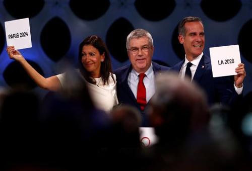 الإليزيه يحتفي بتنظيم باريس للأولمبياد