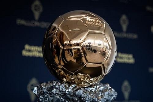 30 لاعبا مرشحا لجائزة الكرة الذهبية وحكيمي خارج القائمة